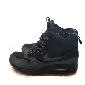 Nike Air Max Sneaker Boot High Top Sneakers Size 8